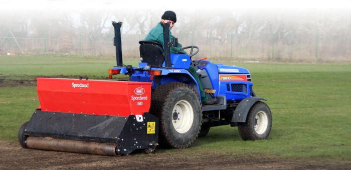 Speed Seed Ciągnik Iseki budowa i pielęgnacja boisk